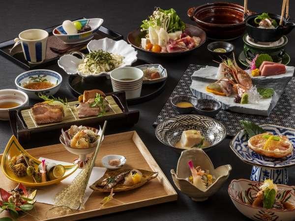 ご夕食は秋田の旬菜をふんだんに盛り込んだ山里の和食会席。東北各地より取り揃えた地酒とご一緒にどうぞ。