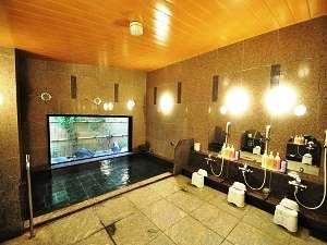 男女別の大浴場で、手足を伸ばして旅の疲れを癒して下さい。ご利用時間:15時~26時迄 5時~10時迄