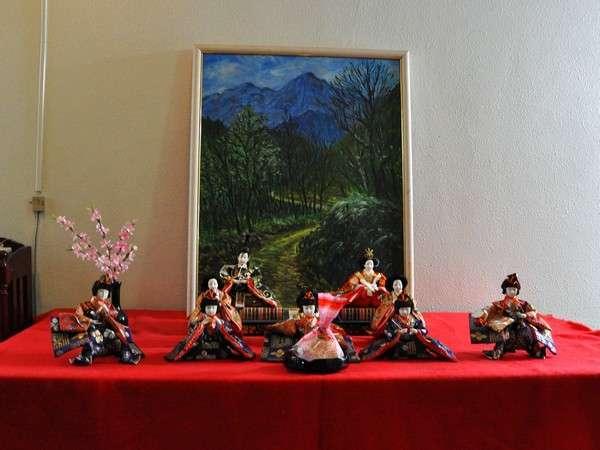 お雛様シーズンには、館内に可愛い雛人形が飾れれます♪