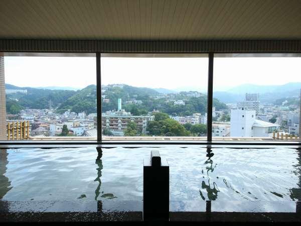 最上階にある温泉大浴場(山側と海側は男女日替わりで入れ替えとなります)