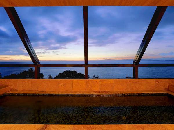 【海のホテル 島花】最上階より海を望む絶景風呂と島の味覚★マリーナに佇む海辺の別荘
