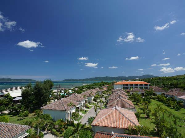 【外観】広大な敷地に赤瓦が建ち並び、沖縄の集落の雰囲気を味わえます