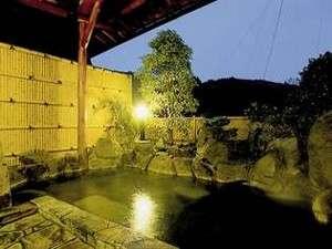 2つの露天風呂は全て貸切りでご入浴頂けます。<Open-air bath>