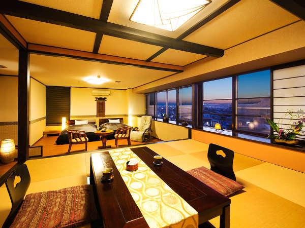 ■露天風呂付客室■最上階で眺めバツグン♪畳みスペースで、ゆ~ったり歓談をお愉しみいただけます