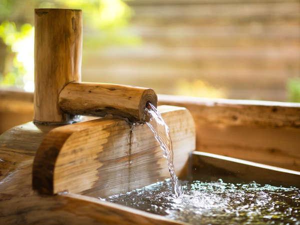 """■貸切風呂■豊富に流れ出る温泉。体の芯から癒される""""ぬくもり""""をお愉しみください"""