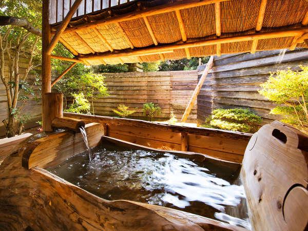 ■貸切風呂■木々の香りに包まれて、の~んびり温泉を愉しむひと時を・・・