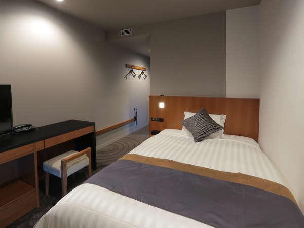 シングルルーム(18㎡) ベッド幅140cm