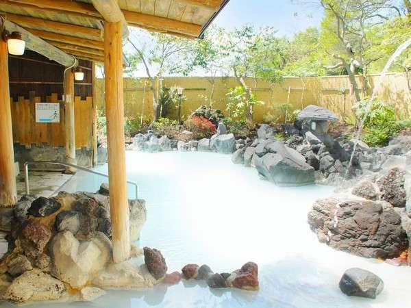 【一泊九湯◆別館2階◆露天風呂「白紫」】霧島温泉PR動画の撮影場所として、ご利用いただきました。