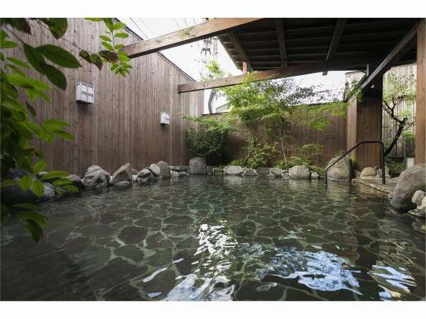 【大浴場】広々とした露天風呂で良泉満喫♪