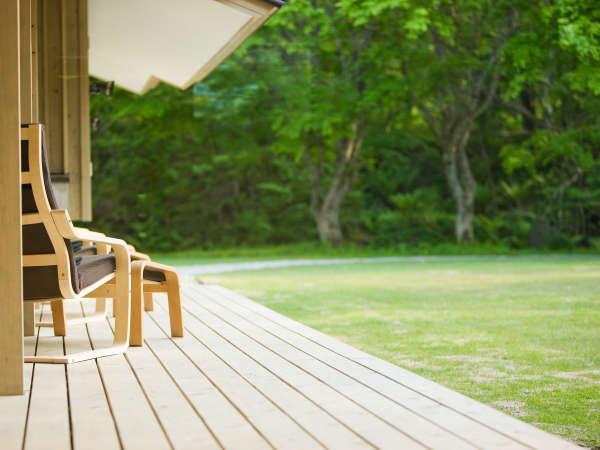 湯上りのドリンクを楽しむもよし、静かに読書に没頭するもよし…リラックスした時間をお過ごしください。