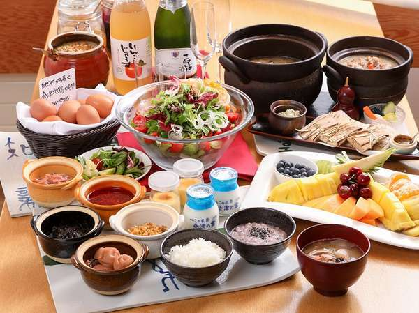 和洋折衷の朝食ビュッフェスタイル