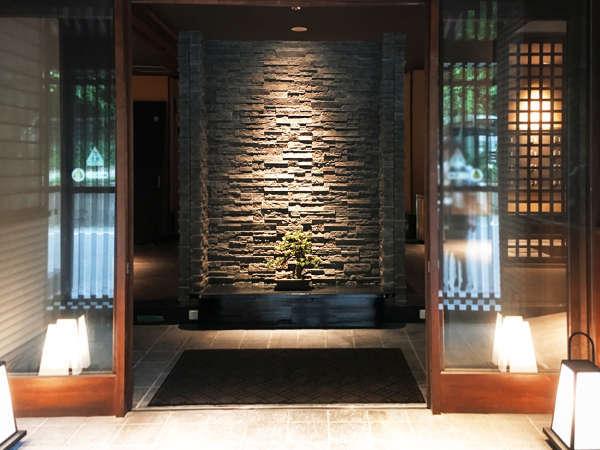 会津東山温泉「月のあかり」のエントランスイメージ画像♪
