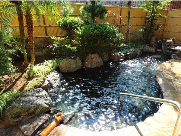 大浴場に併設の露天風呂。湯めぐりもお楽しみ頂けます