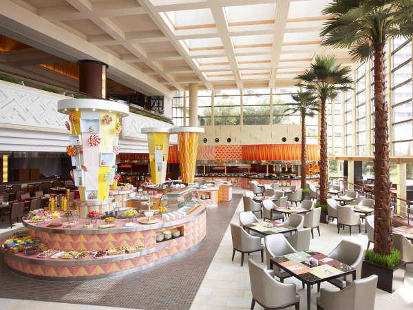 ◆グランカフェ◆広々とした店内は、自然光が差し込む開放感でいっぱい!