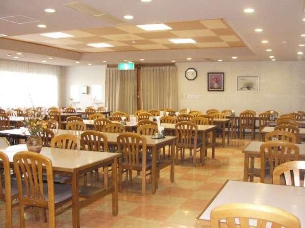 【食堂】ご夕食・ご朝食ともに食堂でお召し上がりいただけます。