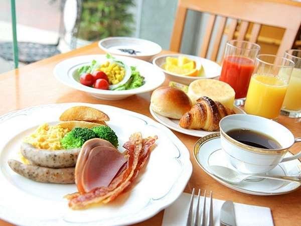 豊富なメニューを取り揃えたモーニングブッフェ(洋食イメージ)※7:00~10:00(9:30 ラストオーダー)