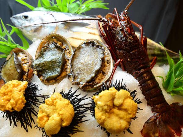 *【お食事一例】美乃島ならではの、贅を尽くした豪華海鮮料理をお楽しみいただけます。