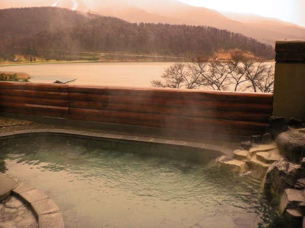 北信五岳を望む温泉露天風呂【天狗の湯】まで車で10分