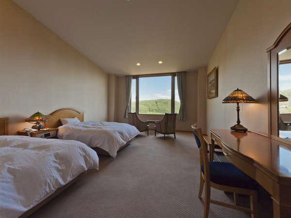 room ~ 陽だまり洋室 ~ 広々15帖(43㎡)の贅沢な空間 窓から眺める星空や雲海は絶景と評判