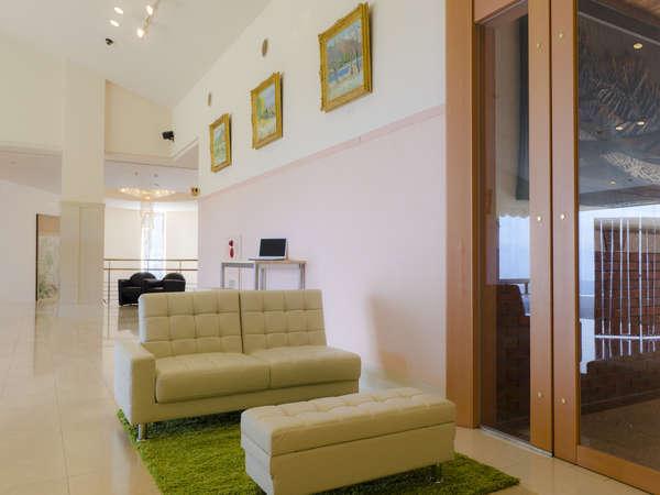 lobby lounge ~ sofa ~