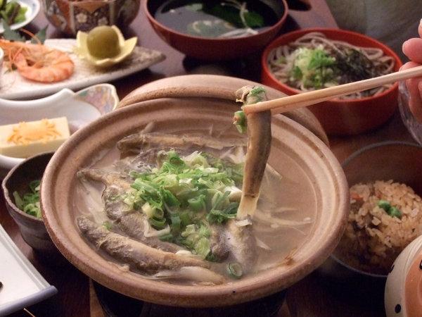 【どじょう鍋】郷土料理の一品。栄養満点です!
