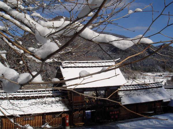 長屋門(雪景色)