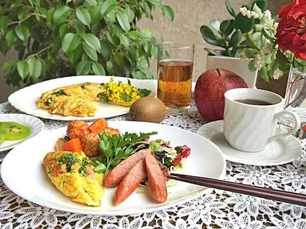 日替わり朝食例( イメージ写真)『大好評の手作り日替わり朝食無料サービス』