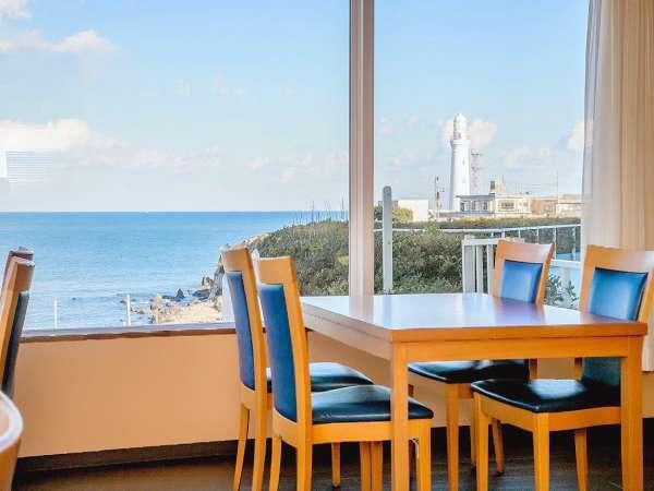 君ヶ浜ラウンジ★君ヶ浜と灯台を眺めながらティータイムを!7:00~20:00(L.O19:30)
