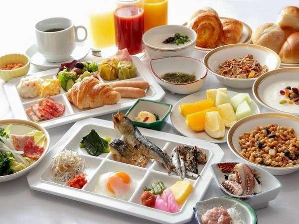 バラエティ溢れる朝食バイキング