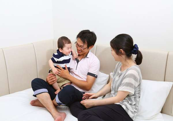 ◆フローリングダブル◆ベッドが低いので小さなお子様がいても安心♪