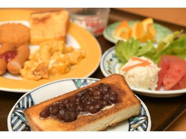 名古屋の朝の定番小倉トースト(6:30~ バイキング)
