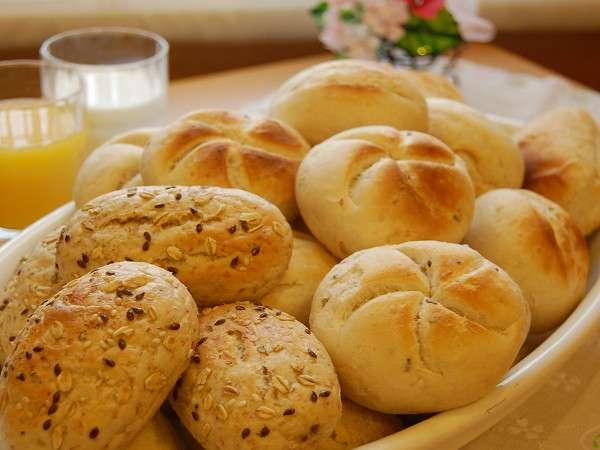 朝食メニューに新しいパンが仲間入り♪ふわふわもっちりの食感をお試し下さい♪