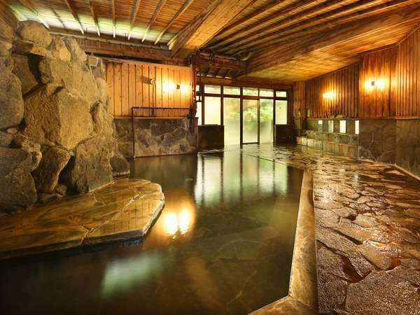 大浴場には温泉蒸気を利用した「蒸し風呂」も備わる