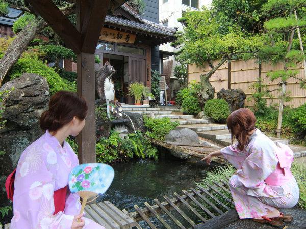 ようこそ、旅館初音へ!!お庭を散歩したり、周辺を散策してお過ごしいただけます♪