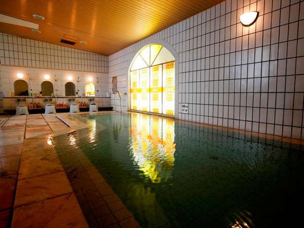 【1階マルモ大浴場】湧出量、泉質、共に層雲峡一の温泉(男女時間交替制)