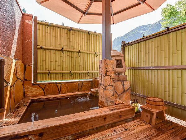 *【和室10畳(露天付客室/1階)】当館で3室のみ!露天風呂付のお部屋です。