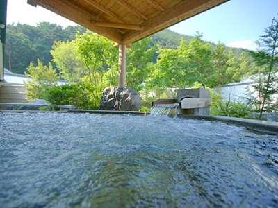 美ヶ原温泉「翔峰」の大浴場が無料でご利用いただけます。人気の開放的な露天ジャグジー風呂。