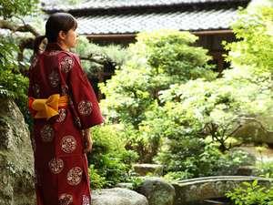 日本庭園『明鏡苑』。ゆっくりとした時間が流れています♪