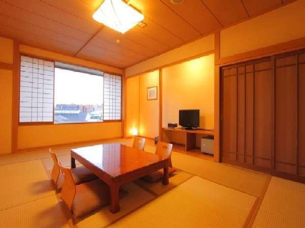 【富士を望む広々な和室12畳の客室】