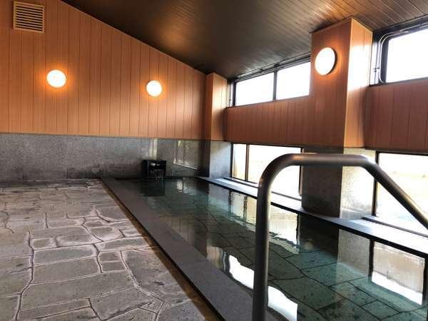 庭園を望むことが出来る大浴場『心の華』※富士山は望めません。2021年5月に改装しました