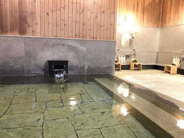 桧と伊豆石を使った小浴場『夢の華』2021年5月に一部改装しました