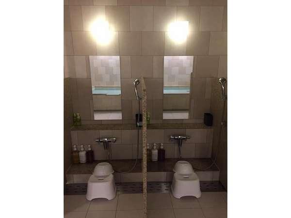 大浴場内 洗い場