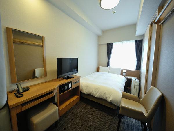 スタンダードセミダブル(14平米ベッド幅120×195センチ)◆シモンズ製べッド完備◆