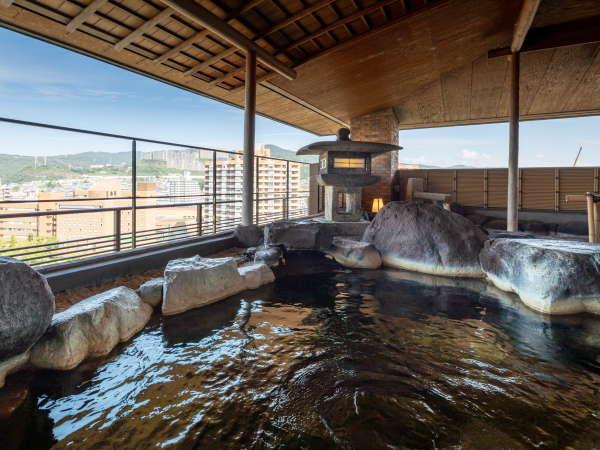 殿方露天風呂 宝塚市街の絶景をご堪能ください
