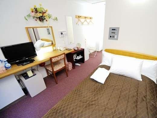 最上階の7階に3部屋のみの禁煙レディースルームです。女性のための各種アメニティやサービスも有ります。