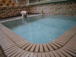源泉掛け流し24時間入浴可能(男子浴場)
