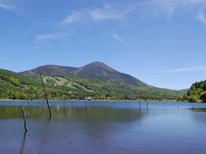 夏-蓼科山と女神湖
