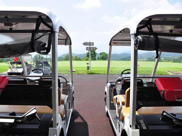 【ゴルフカート】ナビゲーションシステムを搭載しております。これで移動も楽々です♪
