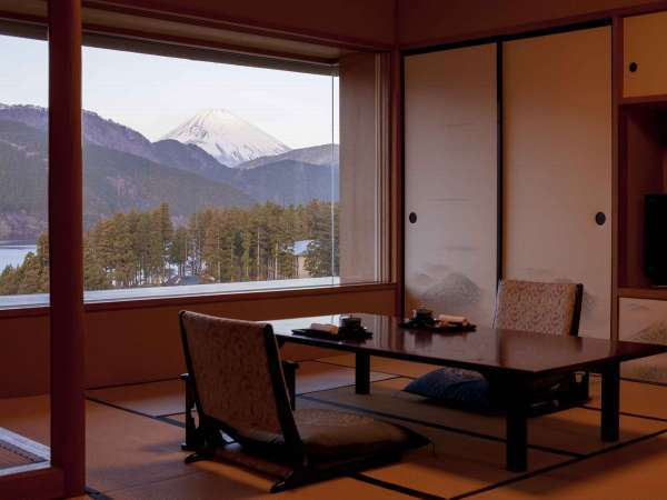【芦ノ湖畔 蛸川温泉 龍宮殿】全室から望む、富士山と芦ノ湖。絶景を思い出の1ページに・・・