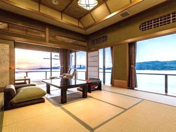 【客室|一例】お部屋から臨む油谷湾の絶景